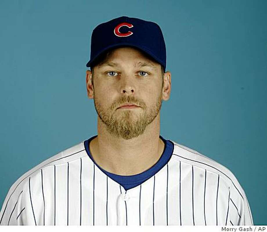 ** FILe ** This is a 2008 file photo showing Kerry Wood in a Chicago Cubs baseball uniform. Wood was in Cleveland on Wednesday night Dec. 10, 2008  to take the physical needed before he can finalize a two-year deal with the Indians worth about $20 million. Wood had 34 saves last season for Chicago Cubs.  (AP Photo/Morry Gash, File) Photo: Morry Gash, AP