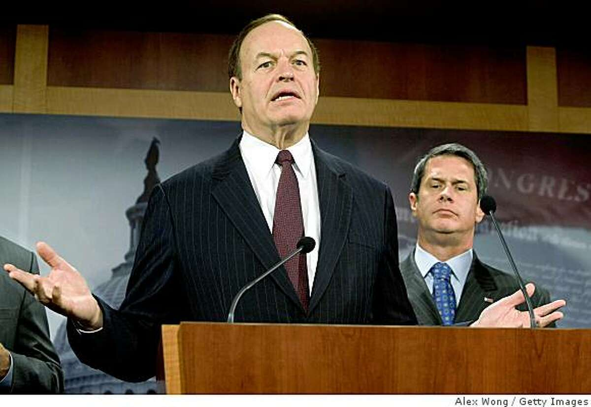 WASHINGTON - DECEMBER 10: U.S. Sen. Richard Shelby (R-AL) (L) speaks as Sen. David Vitter (R-LA) (R) listens during a news conference on the auto bailout December 10, 2008 on Capitol Hill in Washington, DC. Top Senate Republicans expressed their objections on bailing out the auto industry. (Photo by Alex Wong/Getty Images)