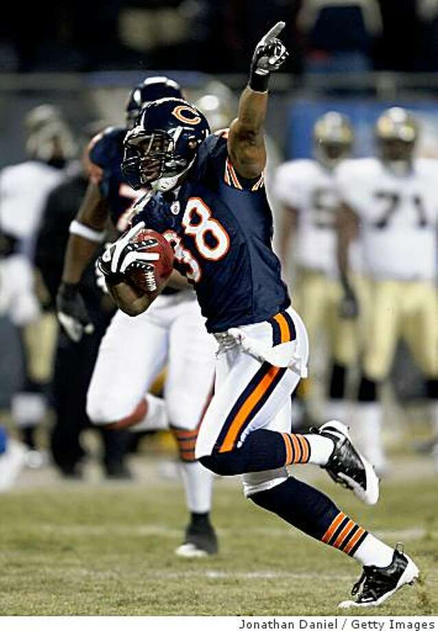 CHICAGO - DECEMBER 11:  Danieal Manning #38 of the Chicago Bears returns the opening kick-off 83-yards for a touchdown against the New Orleans Saints at Soldier Field on December 11, 2008 in Chicago, Illinois.  (Photo by Jonathan Daniel/Getty Images) Photo: Jonathan Daniel, Getty Images