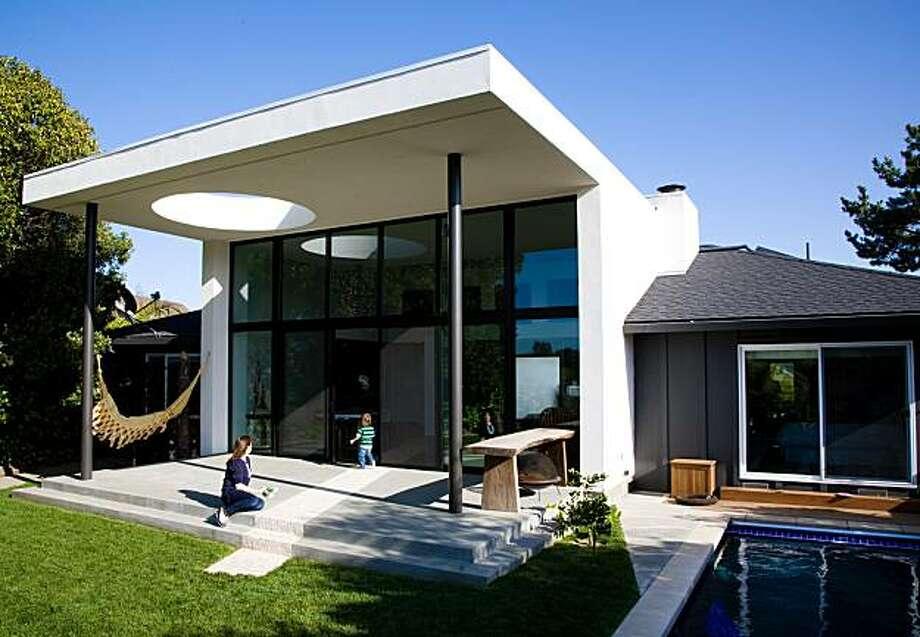 PJ and Lo's house in San Rafael, California. Photo by Mabel Feres Photo: Mabel Feres Photography