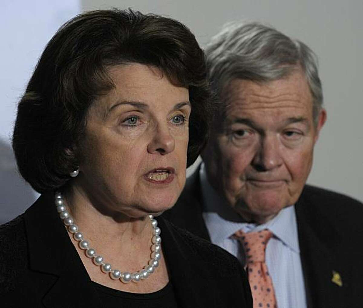 Senate Intelligence Committee Chairman Sen. Dianne Feinstein, D-Calif., left, and ranking member Sen. Christopher Bond, R-Mo., right, hold a news conference on the Christmas day bomb attempt following a closed door briefing on Capitol Hill in Washington, Thursday, Jan. 21, 2010. (AP Photo/Susan Walsh)