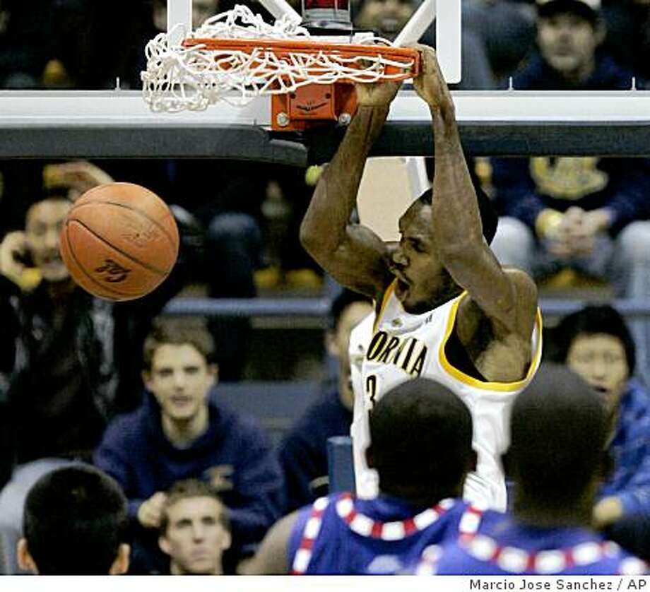 California's Patrick Christopher dunks against DePaul in the first half of a game in Berkeley, Calif., Wednesday, Dec. 3, 2008. Photo: Marcio Jose Sanchez, AP
