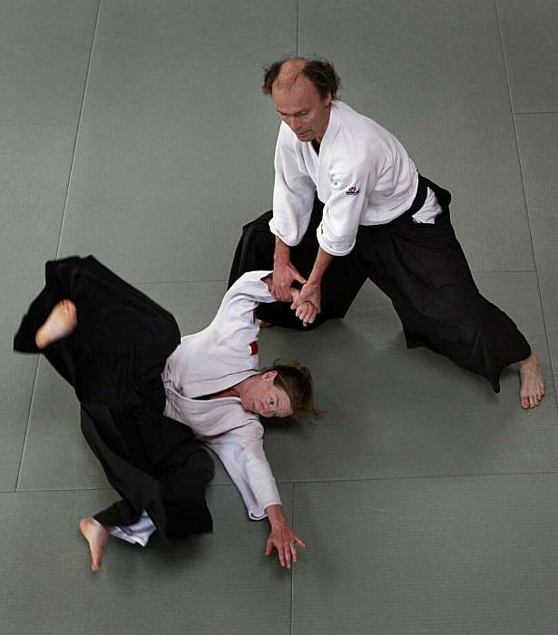 Ragnar Bohlin (right), chorus director for the San Francisco Symphony, practices akido with Sheilah Rogers at the Suginami Aikikai dojo in San Francisco, Calif., on Tuesday, March 30, 2010. Photo: Paul Chinn, The Chronicle