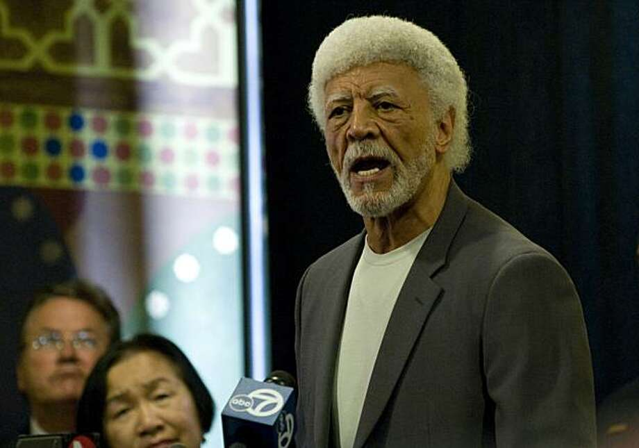 Oakland mayor Ron Dellums and other Oakland officials hold a press conference on Friday, July 2, 2010 in Oakland, Calif., to urge the public to refrain from violence when the Mehserle verdict is revealed in Los Angeles. Photo: Chad Ziemendorf, The Chronicle