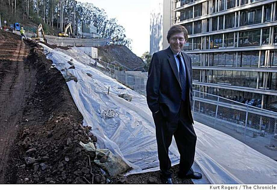 Dr Arnold Kriegstein director of the UCSF Institute for Regeneration Medicine at the construction site of the new building that will be part of UCSF�s Parnassus campus. on Friday  Nov 21  2008 in San Francisco, Calif Photo: Kurt Rogers, The Chronicle