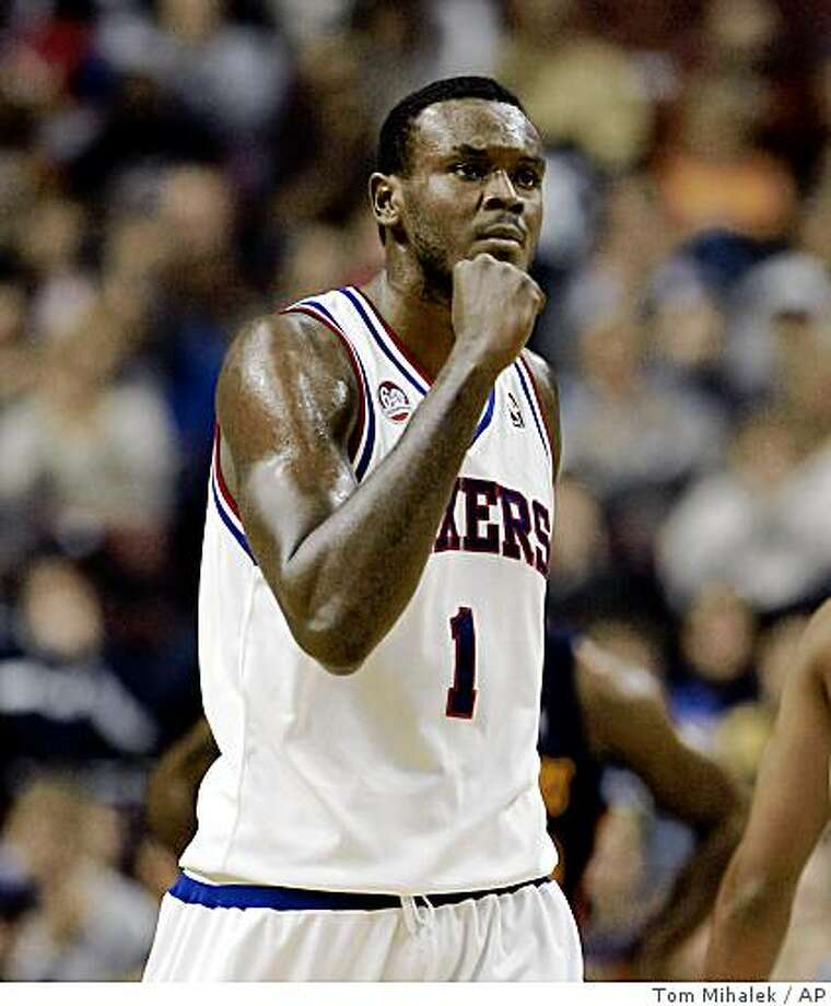 Philadelphia 76ers center Samuel Dalembert pumps his fist after scoring in the first half of a game with the Golden State Warriors, Sunday, Nov. 23, 2008, in Philadelphia. Photo: Tom Mihalek, AP