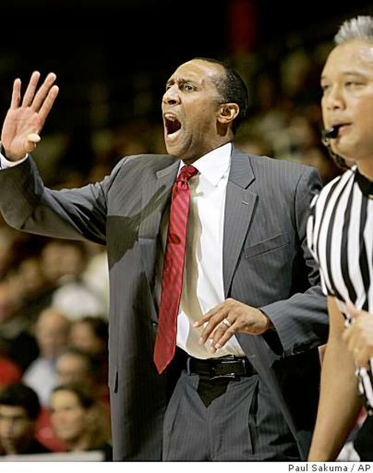 New Stanford head coach Johnny Dawkins gestures against Northridge in the first half of an NCAA college basketball game in Stanford, Calif., Tuesday, Nov. 18, 2008. (AP Photo/Paul Sakuma) Photo: Paul Sakuma, AP