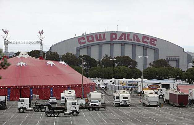 This photo from Tuesday, June 2, 2009 shows the Cow Palace in Daly City, Calif. Gov. Arnold Schwarzenegger's plan to put some of his state's biggest landmarks up for sale to help erase a $24 billion budget deficit is fraught with questions, chief among them: How can California taxpayers possibly get a good deal in this slumping real estate market? (AP Photo/Jeff Chiu) Photo: Jeff Chiu, AP