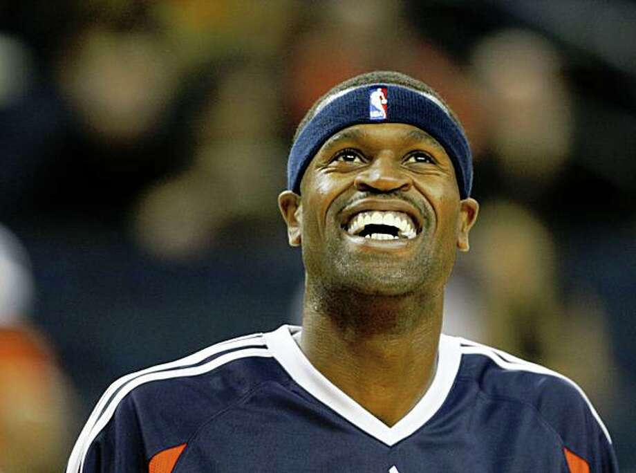Golden State Warriors Stephen Jackson (1) smiles during warm ups. The Golden State Warriors host the Lithuanian team, Lietuvos Rytas in an exhibition NBA game at Oracle Arena in Oakland, Calif., on October 21, 2008.. Photo: Michael Maloney, The Chronicle