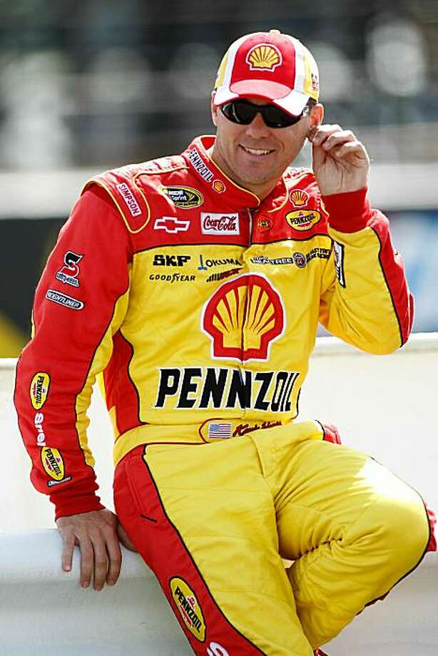 LONG POND, PA - JUNE 04:  Kevin Harvick, driver of the #29 Shell/Pennzoil Chevrolet, sits on pit road wall during qualifying for the NASCAR Sprint Cup Series Gillette Fusion ProGlide 500 at Pocono Raceway on June 4, 2010 in Long Pond, Pennsylvania. Photo: Todd Warshaw, Getty Images