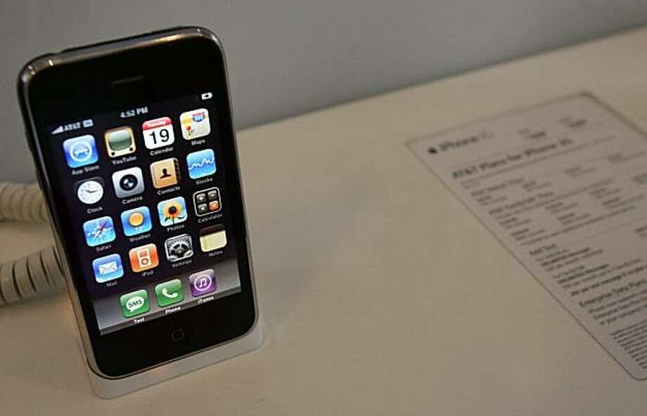 An iPhone 3G sits on display at the AT&T store at Third St. and Market St. in San Francisco, Calif., on Tuesday, August 19, 2008. Photo: Laura Morton, Special To The Chronicle