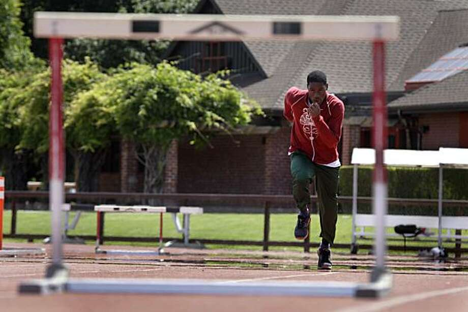 Stanford hurdler Amaechi Morton warms up during practices at Cobb Track and Angell Field in Stanford, Calif. on Wednesday June 2, 2010. Photo: Lea Suzuki, The Chronicle