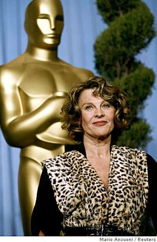 Oscar nominated actress Julie Christie poses at the 80th annual Academy Awards Nominee Luncheon in Beverly Hills, California February 4, 2008.   REUTERS/Mario Anzuoni   (UNITED STATES) Photo: Mario Anzuoni, Reuters