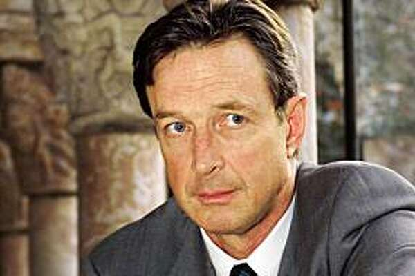 "*FILE PHOTO*(NYT9) NEW YORK -- Nov. 5, 2008 -- OBIT-CHRICHTON-4 -- Author Michael Crichton in New York in 1999. Chrichton, the author of the blockbuster science-fiction novels ""Jurassic Park,"" ""The Andromeda Strain� and ""State of Fear,"" has died. He was 66. (Keith Meyers/The New York Times)"