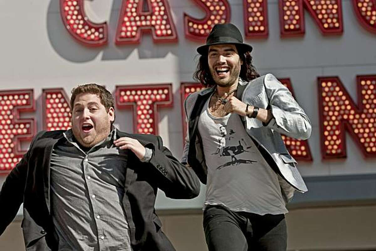 (L to R) Aaron (JONAH HILL) and Aldous (RUSSELL BRAND) party in Vegas in