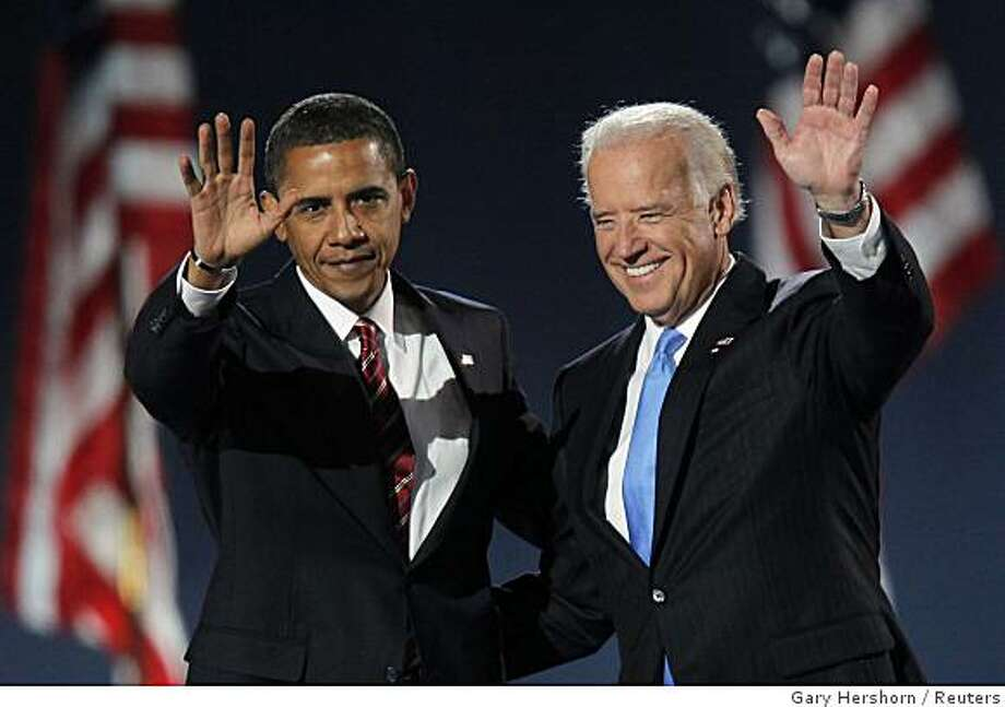 U.S. President-elect Senator Barack Obama (D-IL) and U.S. Vice-president-elect Senator Joseph Biden (D-DE) wave after Obama's speech on stage during their election night rally in Chicago November 4, 2008.    REUTERS/Gary Hershorn (UNITED STATES)     US PRESIDENTIAL ELECTION CAMPAIGN 2008 (USA) Photo: Gary Hershorn, Reuters