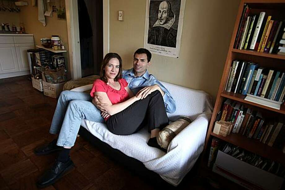 Alexandra Matthew, 38, and Bill Elsman, 33, pose for this week's On The Couch on Friday, May 21, 2010 in San Rafael, Calif. Photo: Jessica Pons, The Chronicle