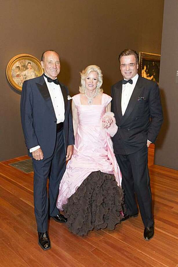 John Traina (left) with Fine Arts Museums Board President Dede Wilsey and Boaz Mazor at the de Young. May 2010. By Drew Altizer Photo: Drew Altizer, Special To The Chronicle