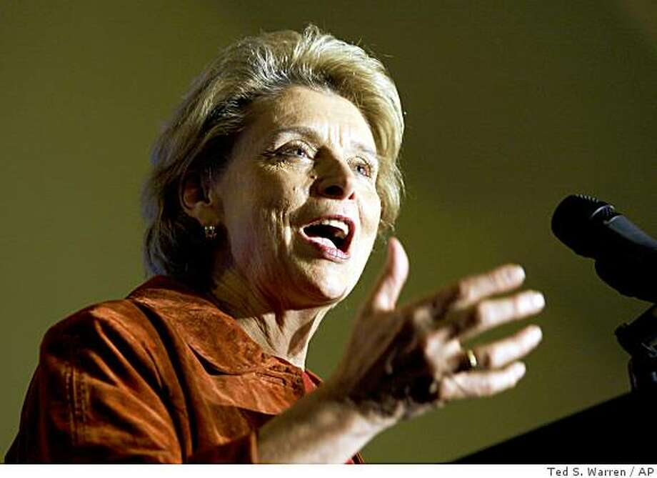 Gov. Chris Gregoire speaks at a fundraiser Friday, Oct. 24, 2008, in Seattle. Gregoire is being challenged by Republican Dino Rossi. (AP Photo/Ted S. Warren) Photo: Ted S. Warren, AP