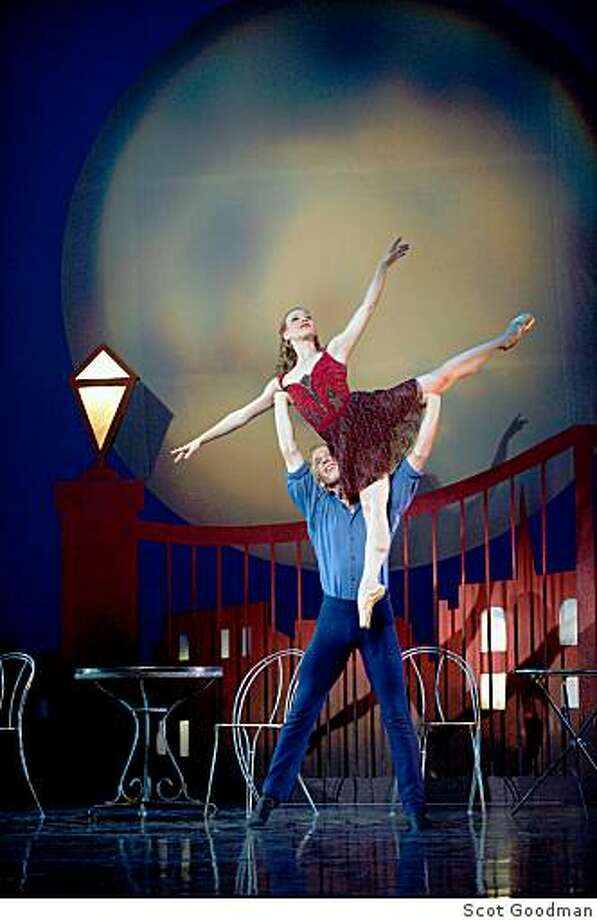 Jessica Touchet and Aaron Thayer in Carmen for Smuin Ballet. Choreography by Robert Sund. Photo: Scot Goodman