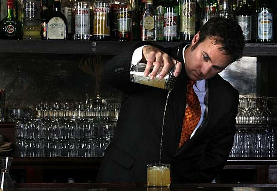 "Brian MacGregor of Jardinere mixes a ""Pony Express"" at 15 Romolo in San Francisco, Calif. on Tuesday May 11, 2010. Photo: Lea Suzuki, The Chronicle"