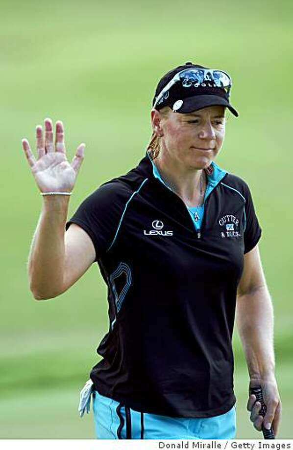 KAPALUA, HI - OCTOBER 17: Annika Sorenstam of Sweden acknowledges crowd after a birdie putt during the second round of the Kapalua LPGA Classic on October 17, 2008 at the Bay Course in Kapalua, Maui, Hawaii.  (Photo by Donald Miralle/Getty Images) Photo: Donald Miralle, Getty Images