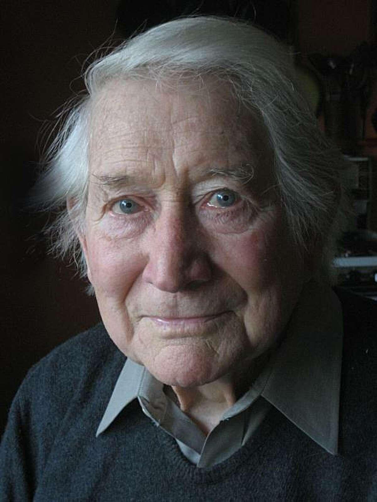 Leo Holub