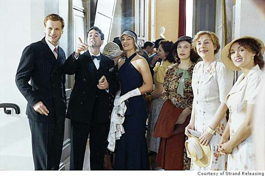 French film, A Secret stars Robert Plagnol, Yves Verhoeven, C�cile de France, Nathalie Boutefeu, Julie Depardieu and Laura Presgurvic. Photo: Courtesy Of Strand Releasing