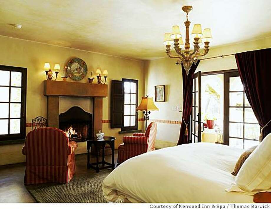 A room at The Kenwood Inn & Spa, featuring signature�Italian linens and featherbedsKenwood Inn, Sonoma, CA. Photo: Courtesy Of Kenwood Inn & Spa, Thomas Barwick