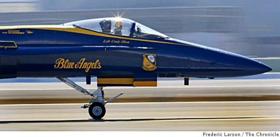 Navy Blue Angels pilot LCDR Craig Olson taxis down the runway at SFO where he was one of a team of Blue Angels that arrived in formation, at San Francisco International Airport on Monday, October 6, 2008. Photo: Frederic Larson, The Chronicle