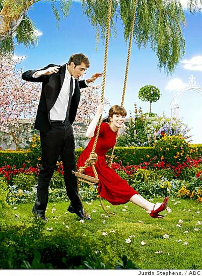 "PUSHING DAISIES - Lee Pace and Anna Friel star in the visually stunning series, ""Pushing Daisies."" Photo: Justin Stephens,, ABC"