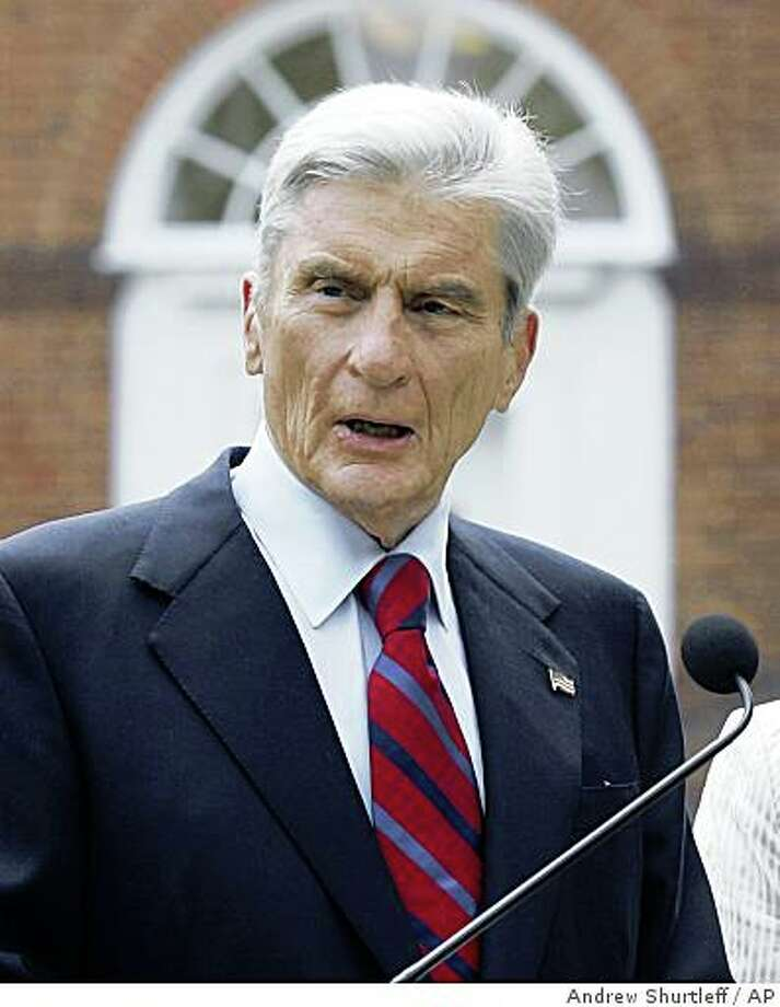 Sen. John Warner, R-Va., announces at a press conference at the University of Virginia he will not seek re-election to the U.S. Senate Friday, Aug. 31, 2007, in Charlottesville, Va. (AP Photo/Andrew Shurtleff) Photo: Andrew Shurtleff, AP