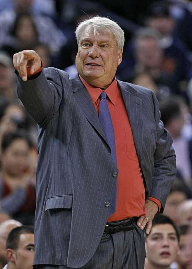 Golden State Warriors head coach Don Nelson instructs his team during the game against the Minnesota Timberwolves, Monday Nov. 9, 2009, in Oakland, Calif. Photo: Lacy Atkins, The Chronicle