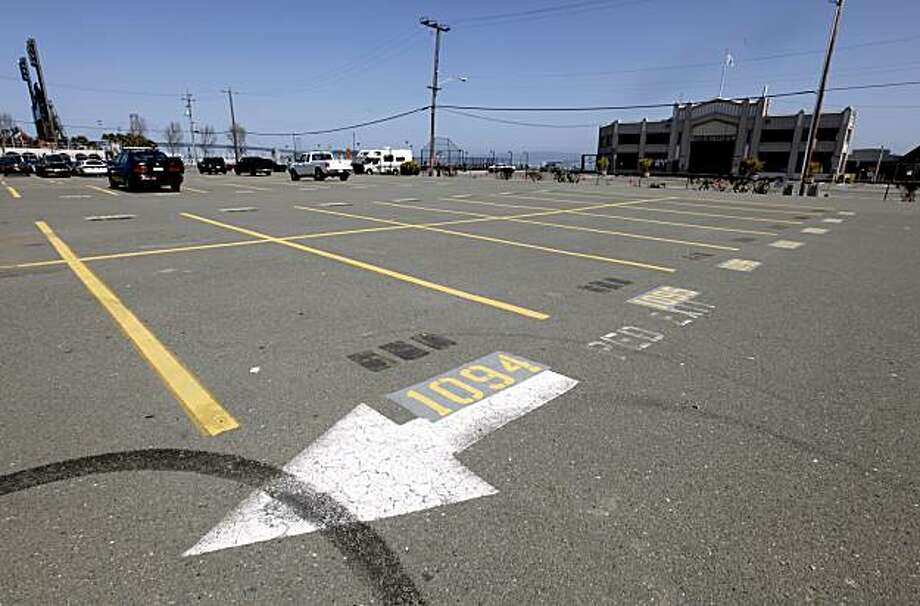 A parking lot south of AT&T Park and China Basin is seen in San Francisco, Calif., on Wednesday, March 24, 2010. Rumors are circulating that a new basketball arena could be built on the site which could be a new home for the Golden State Warriors if the NBA team is sold. Photo: Paul Chinn, The Chronicle