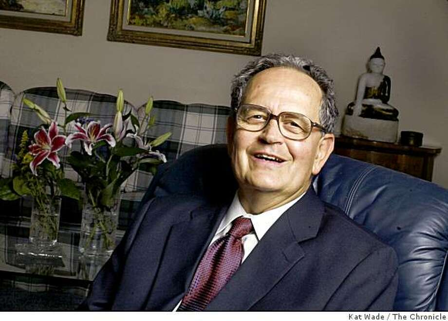Peter Camejo poses for a portrait in his new Folsom home on 9/23/03 while preparing for Wednesday's debate two weeks before the Oct 7th recall election. Photo: Kat Wade, The Chronicle