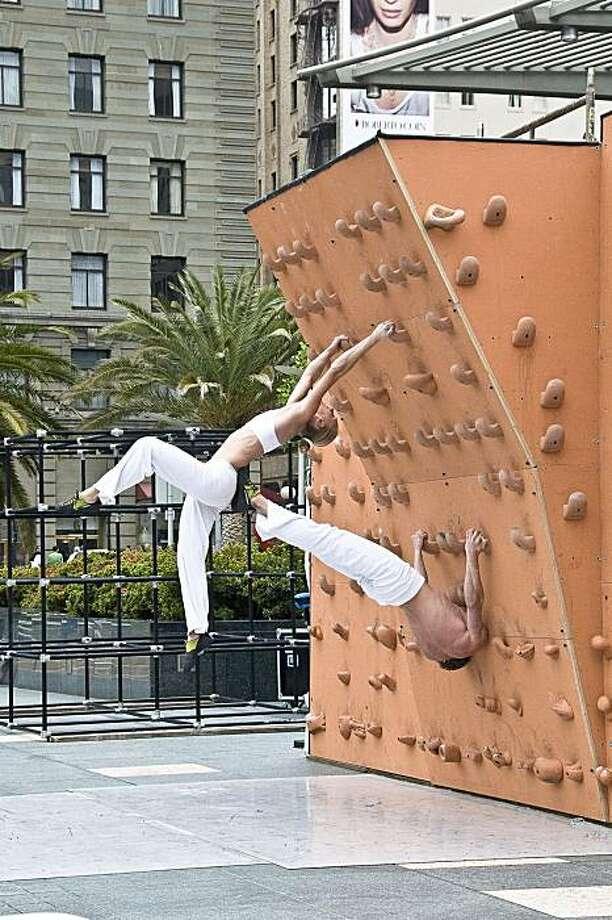 AscenDance 1: photographer: John Montgomery, June 2, 2008, SF International Arts Festival, performers: Isabel von Rittberg & Ryan Gaunt Photo: John Montgomery
