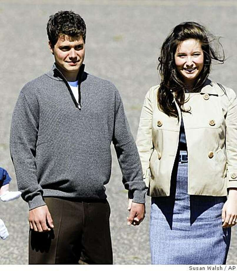 Bristol Palin, daughter of Republican vice presidential candidate Sarah Palin, walks with her boyfriend, Levi Johnston, as they await the arrival of Republican presidential candidate John McCain in Minneapolis for the Republican National Convention in St. Paul, Minn., Wednesday, Sept. 3, 2008.  (AP Photo/Susan Walsh) Photo: Susan Walsh, AP