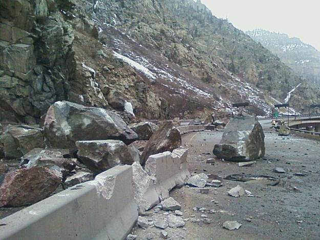 colorado u0026 39 s i-70 closed due to rock slide