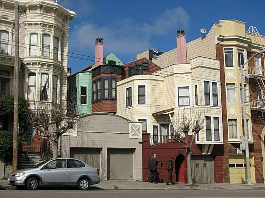 This row of cottages at 2910 California St. by the architects Kotas and Pantaleoni is a rare example of clever, thoughtful postmodernism in San Francisco Photo: John King, The Chronicle