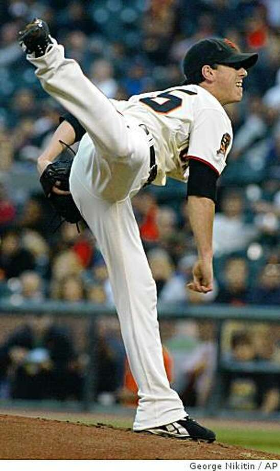 San Francisco Giants pitcher Tim Lincecum pitches to the San Diego Padres in the first inning of a baseball game, Friday, Aug. 22, 2008, in San Francisco. (AP Photo/George Nikitin) Photo: George Nikitin, AP