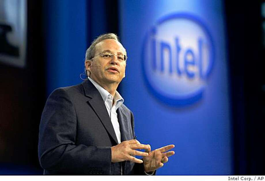 In this photo released by  Intel Corp., Intel's chief technology officer Justin Rattner delivers the keynote speech at the Intel Developer Forum held at Moscone Center West in San Francisco, on Thursday, Aug. 21, 2008. Rattner said Intel is in the early stages of trying to modify a laptop to accept wireless power.  (AP Photo/ Intel Corp.)  ** NO SALES ** Photo: Intel Corp., AP