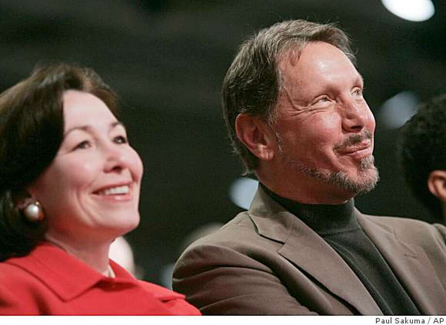 Billionaire Larry Ellison raked in a fiscal 2008 pay package valued at $84.6 million for his work as Oracle Corp.?s chief executive and topped it off with a nearly $544 million windfall from cashing in stock options that he has accumulated during his 31-year reign at the business software maker. Photo: Paul Sakuma, AP