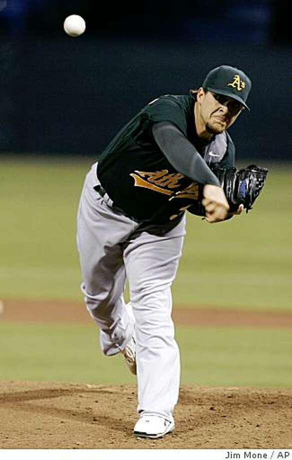 Oakland Athletics pitcher Sean Gallagher throws to the Minnesota Twins in the first inning of a baseball game Tuesday, Aug. 19, 2008, in Minneapolis. (AP Photo/Jim Mone) Photo: Jim Mone, AP