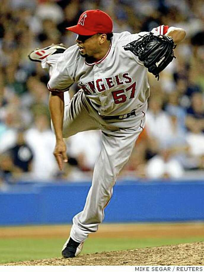 Los Angeles Angels of Anaheim relief pitcher Francisco Rodriguez throws during the ninth inning of their MLB baseball game to save the Angels' 1-0 win over the New York Yankees at Yankee Stadium in New York, August 1, 2008. The save was Rodriguez's 45th of the season for the first place Angels.  REUTERS/Mike Segar   (UNITED STATES) Photo: MIKE SEGAR, REUTERS
