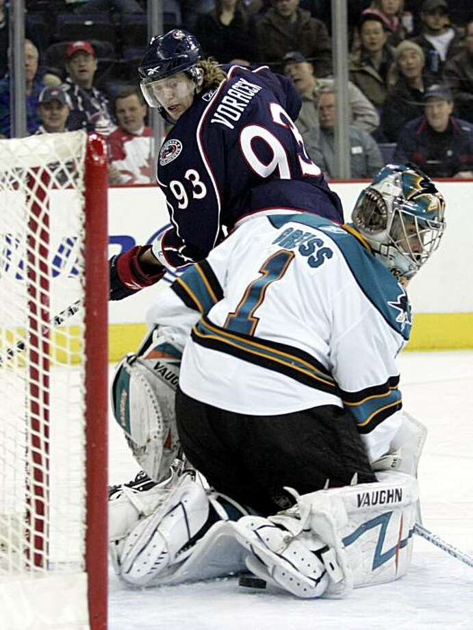 Columbus Blue Jackets' Jakub Voracek, of the Czech Republic, watches his goal against San Jose Sharks' Thomas Greiss, of Germany, in the second period of an NHL hockey game in Columbus, Ohio, Wednesday, Feb. 10, 2010. Photo: Paul Vernon, AP