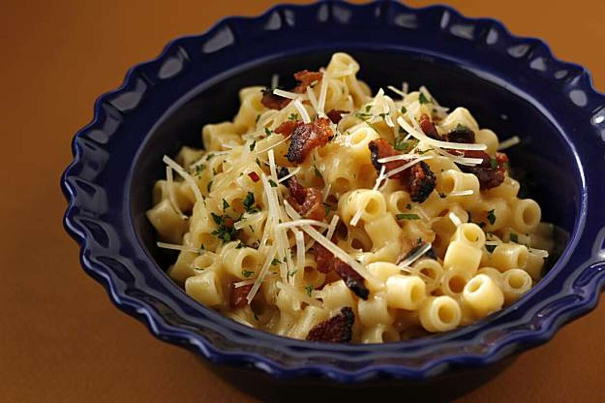 Tipsy Pig's Macaroni and Chese in San Francisco, Calif., on December 16, 2009. Food styled by Kalena Ross.