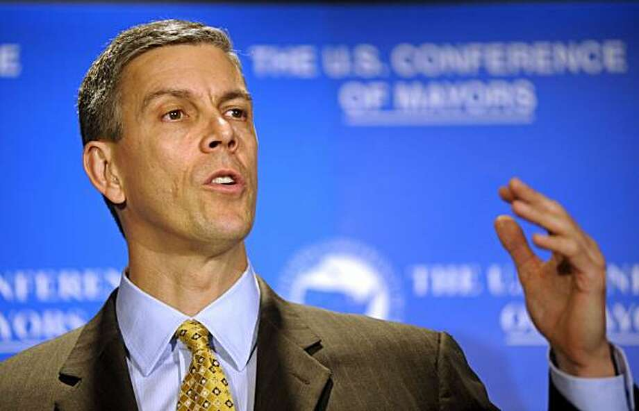 Education Secretary Arne Duncan speaks at the U.S. Conference of Mayors winter meeting luncheon in Washington, Wednesday, Jan. 20, 2010. Photo: Cliff Owen, AP