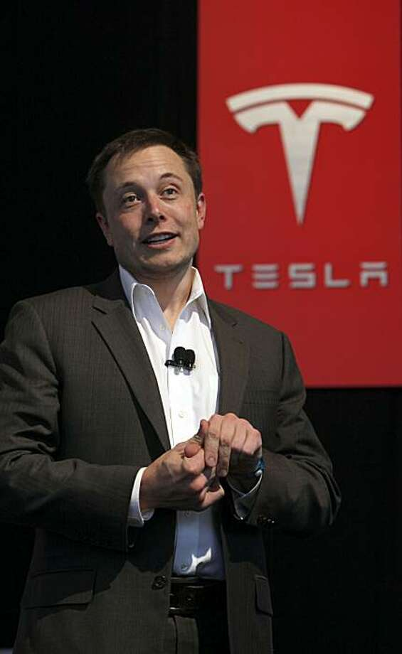 Tesla product architect and CEO Elon Musk speaks at the North American International Auto Show Tuesday, Jan. 12, 2010 in Detroit. Photo: Paul Sancya, AP