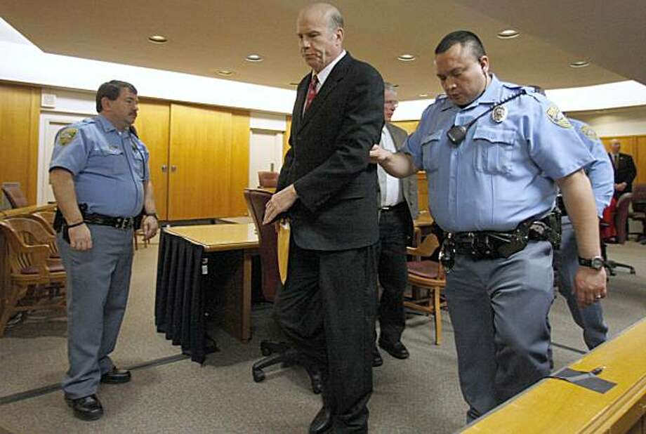 Scott Roeder is lead from the courtroom, Friday, January 29, 2010, after being found guilty of murdering Kansas abortion provider Dr. George Tiller. (Jeff Tuttle/Wichita Eagle/MCT) Photo: Jeff Tuttle, MCT