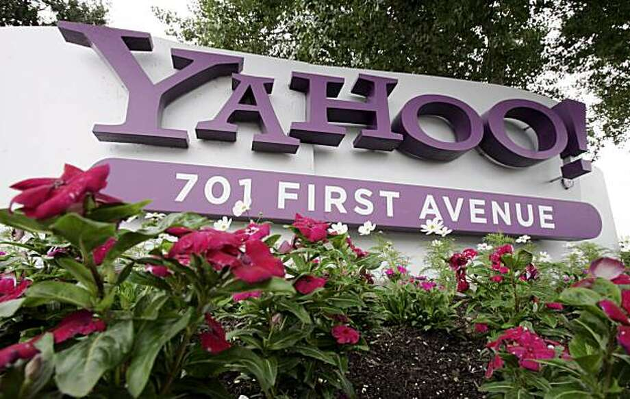 FILE - In this July 29, 2009 file photo, a sign outside Yahoo headquarters in Sunnyvale, Calif. is shown. Yahoo's financial slump eased in the fourth quarter as online advertising began to snap out of a yearlong stupor, according to results announced Tuesday, Jan. 26, 2010. Photo: Paul Sakuma, AP